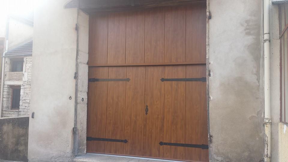 grande porte de garage good hrmann les cassettes bois de grande classe with grande porte de. Black Bedroom Furniture Sets. Home Design Ideas